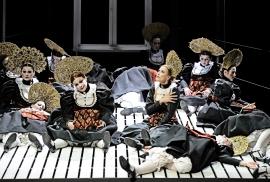 01katja-kabanova_nadja-stefanoff-chor-des-staatstheater-mainz_c_andreas-etter