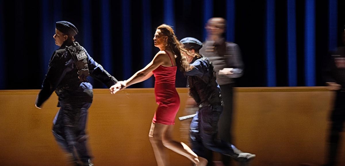 8_manon-lescaut_nadja-stefanoff-chor-des-staatstheater-mainz_c_andreas-etter-3